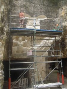 Sculpteur aux lapidiales